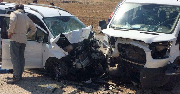 Korkuteli'de trafik kazası: 9 yaralı!