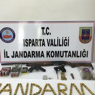 Isparta'da jandarmadan silah operasyonu