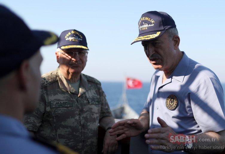 Bakan Akar ve komutanlardan Doğu Akdeniz çıkarması! Helikopterle indiler