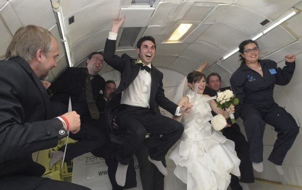 Yerçekimsiz düğün