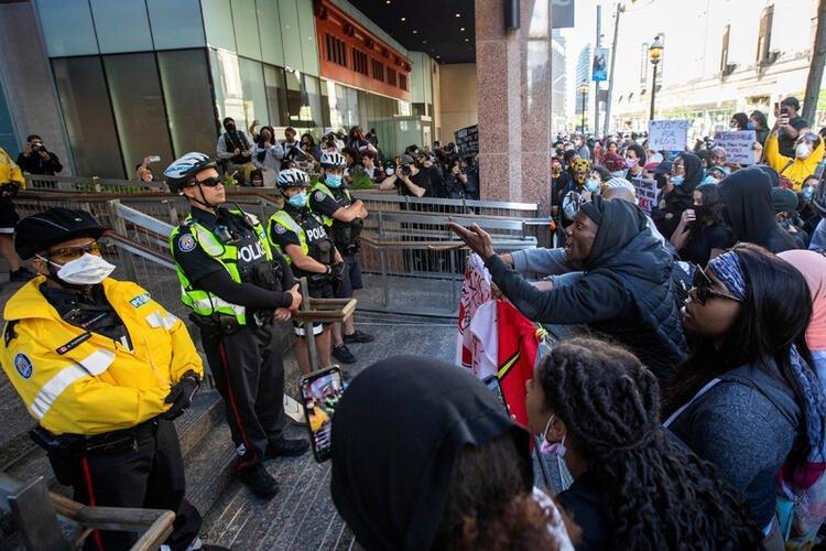 ABD'de George Floyd'un öldürülmesinin ardından başlayan  protestolar hızla yayılıyor! Çok sayıda ülkeye sıçradı