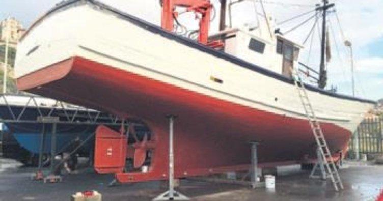 Depardieu'nun teknesi Tuzla'da yata dönüşüyor