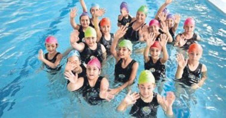 Çocuklar tatilin keyfini spor okullarında çıkarıyor