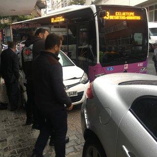 Son dakika: Kağıthane'de otobüs 5 araca çarptı
