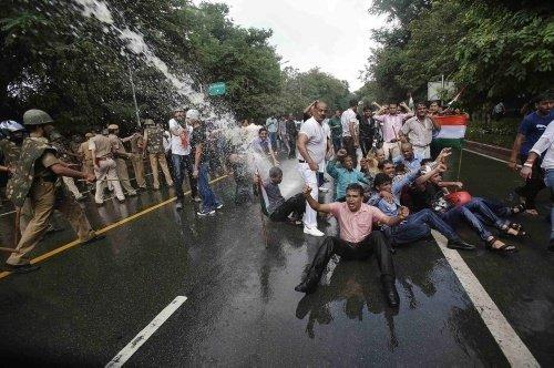 Hindistan karıştı