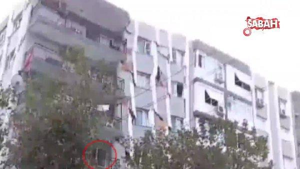 İzmir'den acı görüntü! Bina yıkılmadan saniyeler önce balkonda böyle görüntülendiler | Video