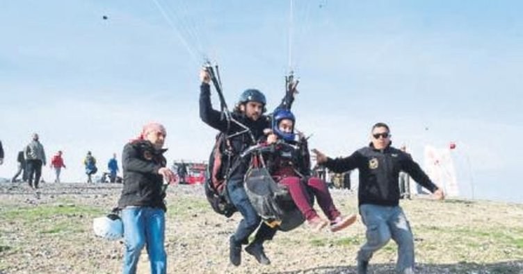 Engeller yamaç paraşütüyle aşıldı