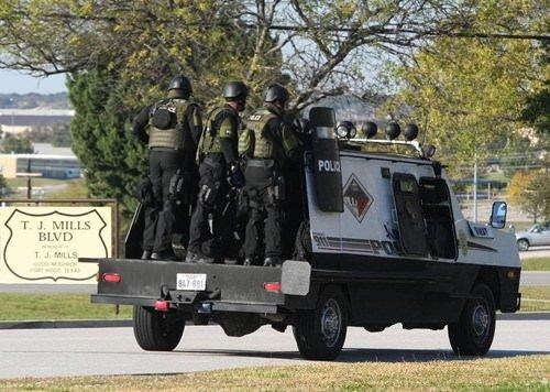 Teksas'ta askeri üste katliam