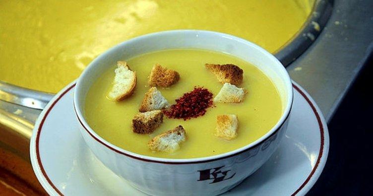 Lokanta usulü mercimek çorbası nasıl yapılır? En pratik lokanta usulü mercimek çorba tarifi…