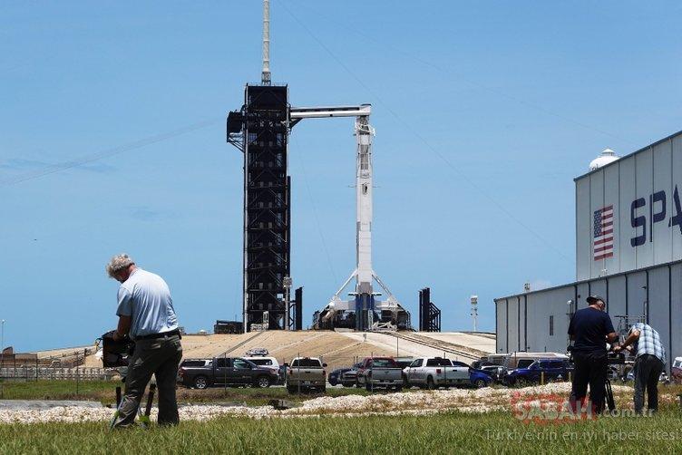 SpaceX'in insanlı ilk uçuşu saat kaçta? SpaceX canlı yayını nasıl izlenir?