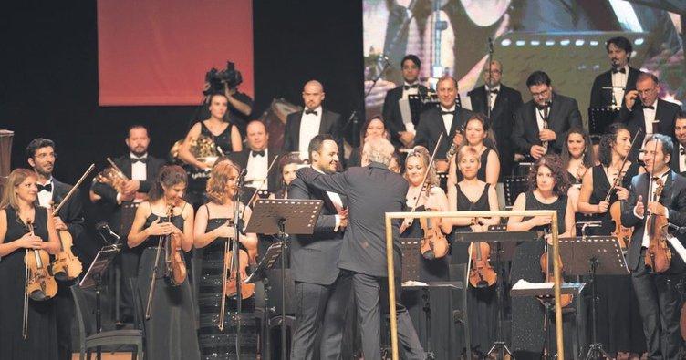 Zeki Müren şarkılarını ilk kez Ankaralılar için çaldılar