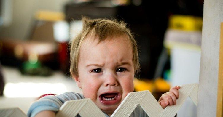 Bebeğinizin uzun süre ağlamasının nedeni kolik olabilir!