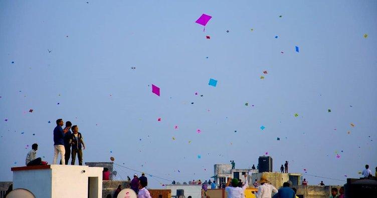 Hindistan'da uçurtma ipleri üç kişinin canına mal oldu