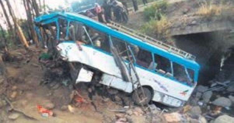 Etiyopya'da otobüs kazası: 38 ölü