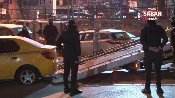Gaziosmanpaşa'da ticari taksiye binen silahlı 3 şahıs ile bekçiler arasında kovalamaca | Video
