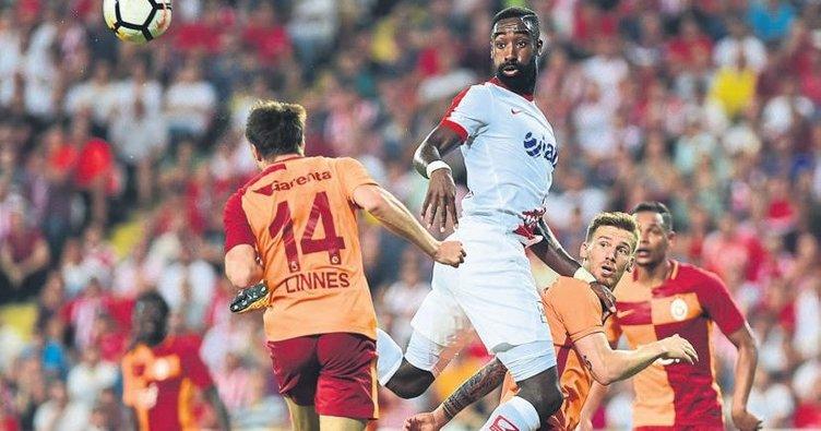 FIFA'dan Antalya'ya 1 milyon TL'lik Djourou ödemesi