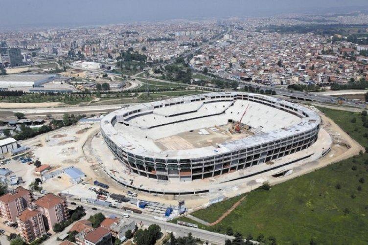 Bursaspor: Bir kupa, bir vefat ve koca bir kaos...