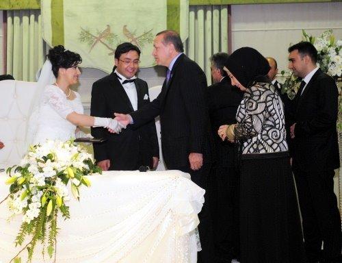 Gül ve Erdoğan nikah şahitliği  yaptı