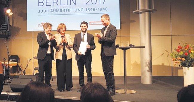 Emin Alper'e Berlin'den büyük ödül