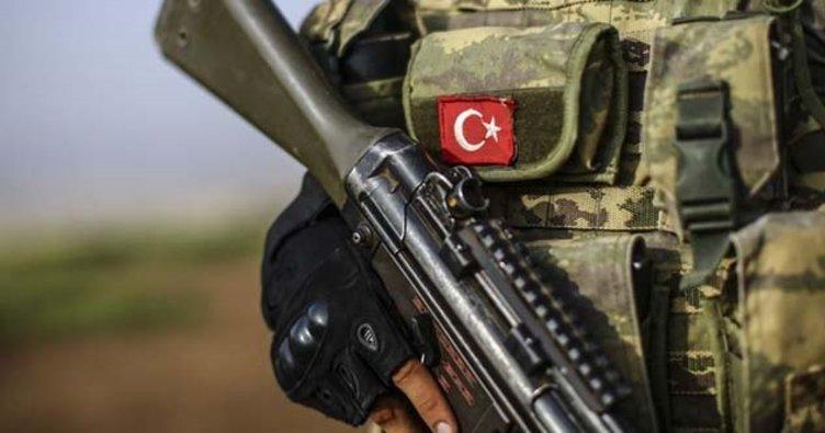 Son dakika: TSK'nın üs bölgesine PKK'nın maket uçak saldırısı önlendi! 1 terörist etkisiz