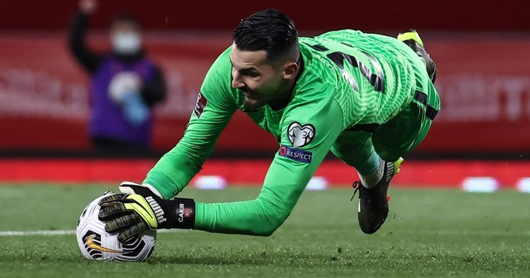 Son dakika: Uğurcan Çakır'a Liverpool, Leipzig ve Sevilla'dan yakın talip! 17 milyon Euro iddiası...