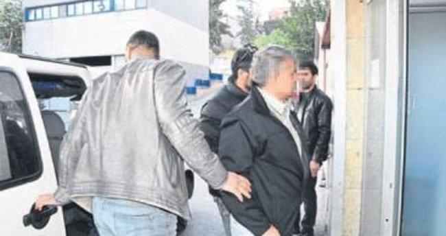 İzmir'de 16 FETÖ'cü öğretmen yakalandı