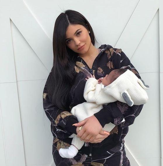 Kylie Jenner, hamileliği hakkındaki soruları Twitter'dan yanıtladı