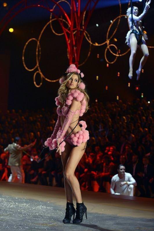 Victoria's Secret şovu büyüledi