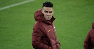 Galatasaray antrenmanında Radamel Falcao - Emre Mor gerilimi