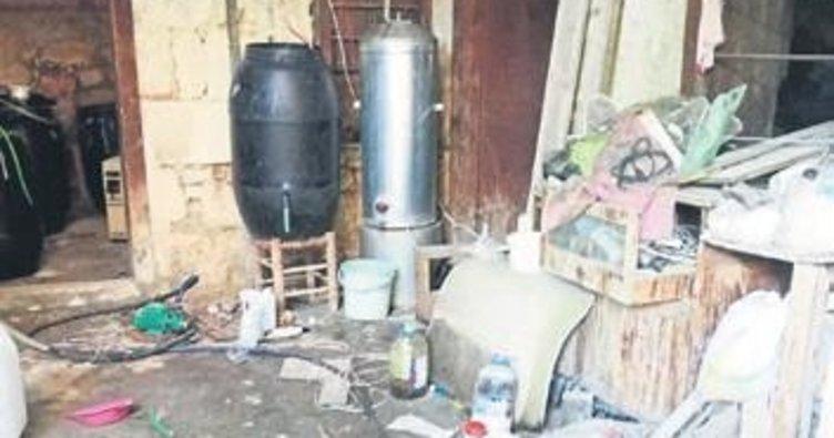 Tarsus'ta 600 litre kaçak rakı ele geçirildi