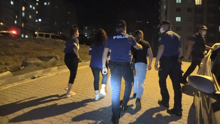 Esenyurt'ta nargile operasyonu! 38 kişiye para cezası kesildi...