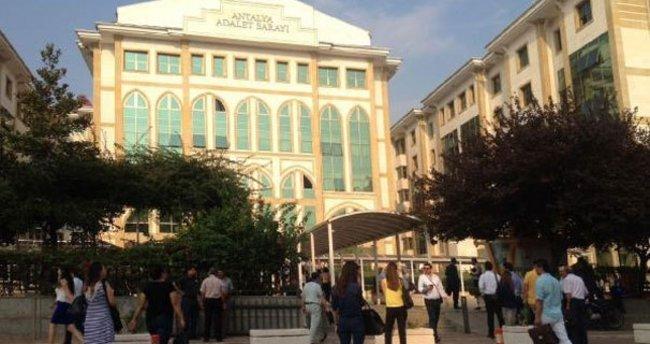 Antalya Adliyesi'nde canlı bomba ihbarı