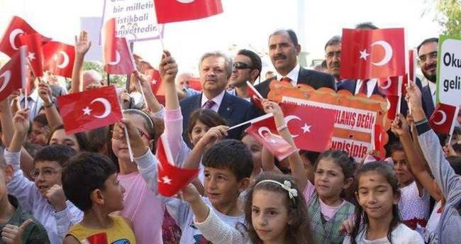 Erzincan'da yeni atana öğretmenlere sürpriz