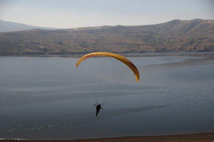 Tunceli'de yamaç paraşütü keyfi