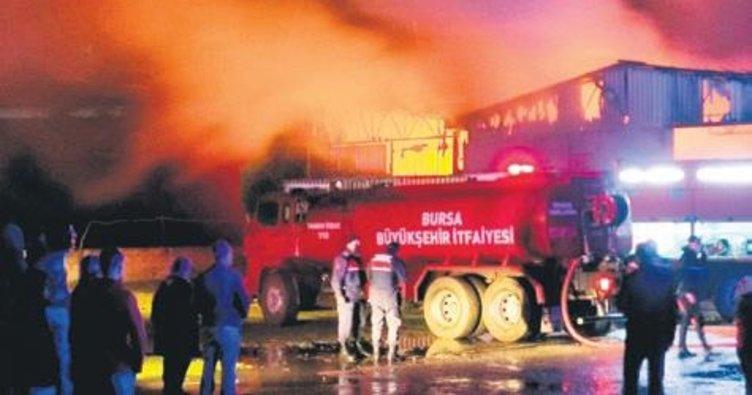 Bursa'da bir gecede iki yangın
