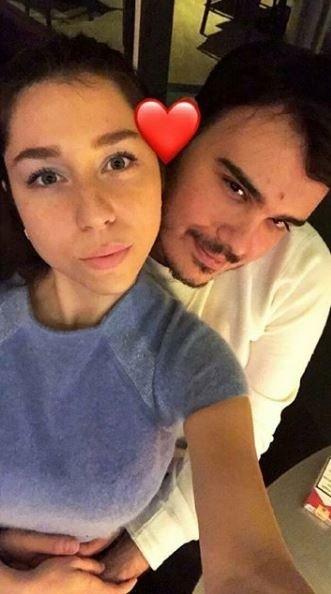 Mustafa Ceceli'nin kardeşi Sinan Ceceli ile Büşra Özdiş nişanlandı