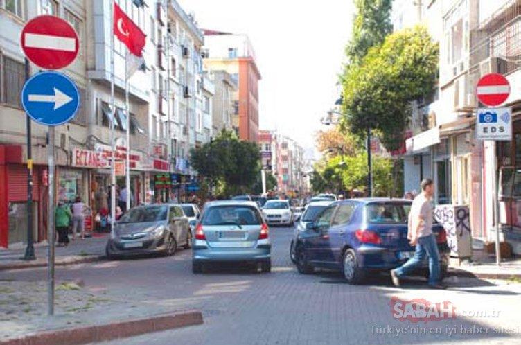Sürüceleri şaşırtan trafik levhaları