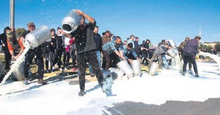 Sardunya'da ucuz süt isyanı Cagliari'ye pahalıya patlıyordu