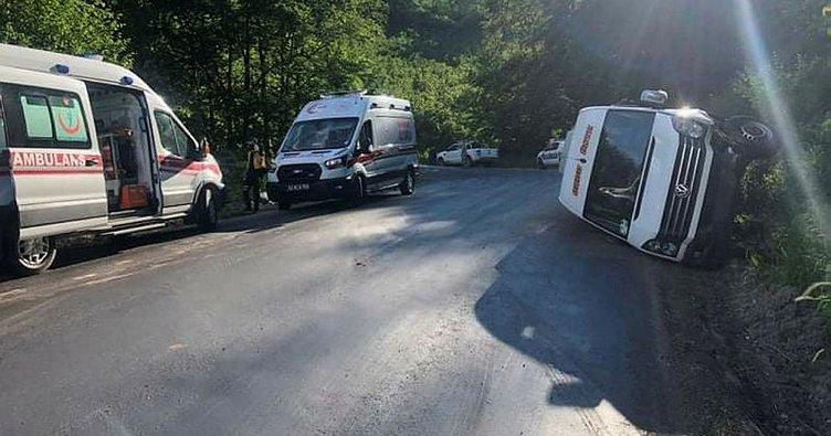 Ordu'da yolcu minibüsünün devrilmesi sonucu 15 kişi yaralandı