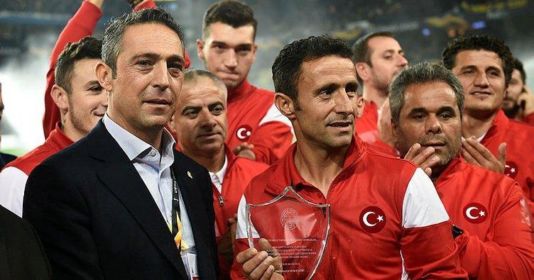 Fenerbahçe'den Türkiye Ampute Milli Futbol Takımı oyuncularına plaket