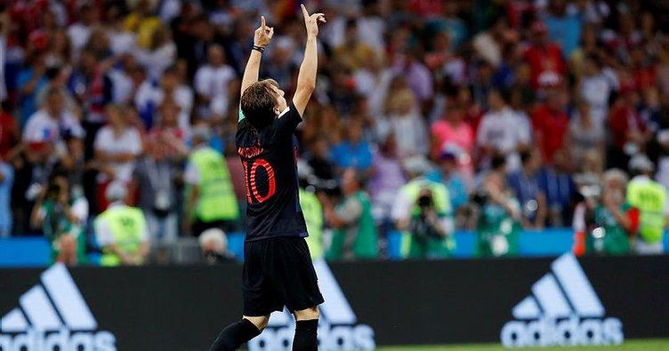 Hırvatistan, Rusya'yı geçti ve Dünya Kupası'nda son yarı finalist oldu