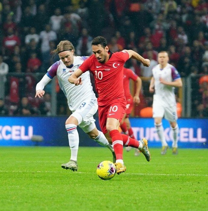 İşte Hakan Çalhanoğlu'ya yapılan resmi teklif!
