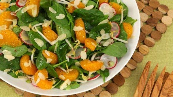 Salata tutkunlarına hitap edecek hem sağlıklı hem kolay 5 salata tarifi