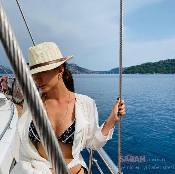Güzel oyuncu Demet Özdemir bu yaz çok iddialı!  Demet Özdemir'in tekne pozları mest etti!