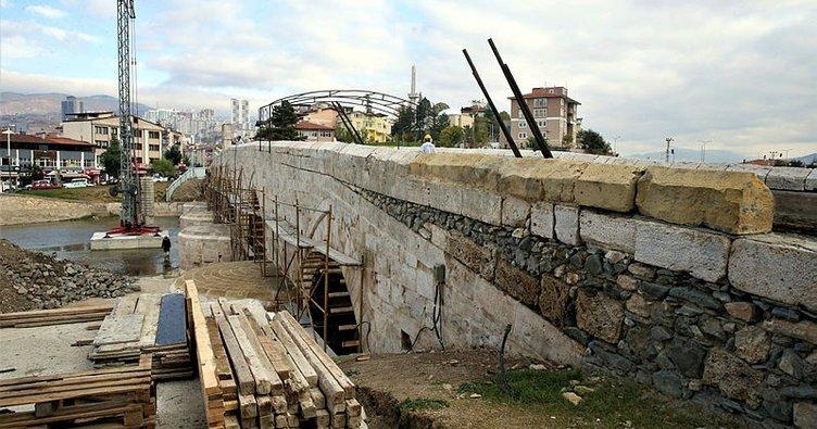 770 yıllık Selçuklu eseri köprünün taşları ortaya çıktı