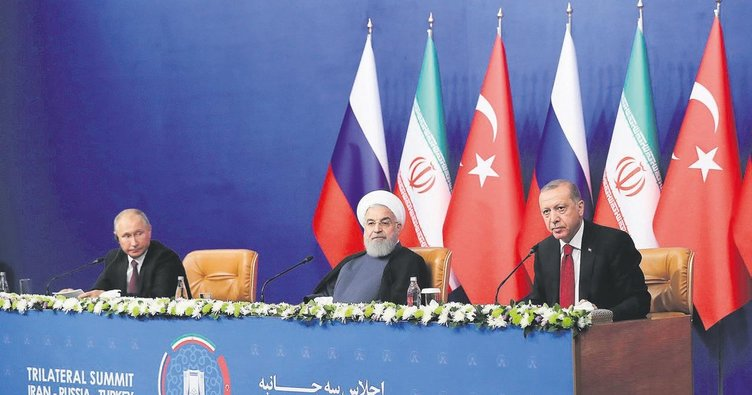 'Dünya seyrediyor Türkiye çabalıyor'