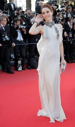 Cansu Dere ile Saadet Işıl Aksoy Cannes Film Festivali'ne katıldı