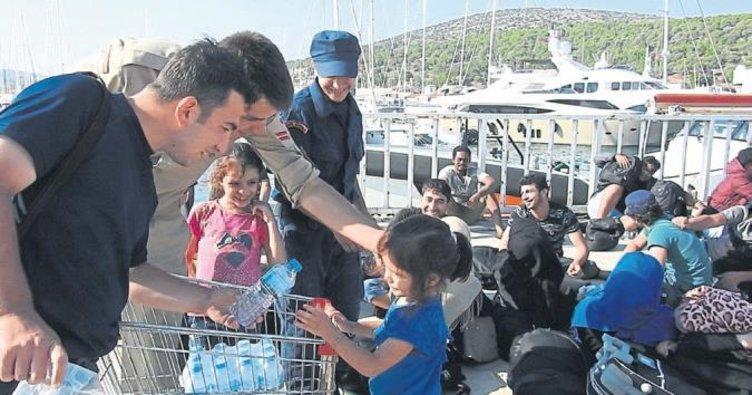 Mülteci bebeği folyoya sarmışlar