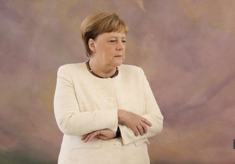 Angela Merkel'in titreme nöbetlerinin nedeni nedir? İşte uzmanlardan açıklamalar...