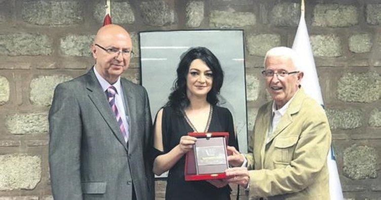 'Orhan Kemal Roman Ödülü' Seray Şahiner'in